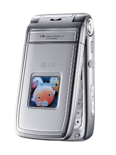 Mobile phone LG T5100. Photo 1