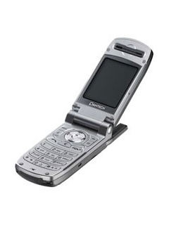 Mobile phone Pantech G670. Photo 1