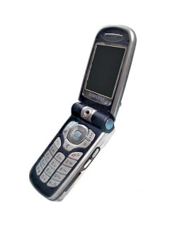 Mobile phone Samsung i250. Photo 1