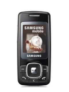 Mobile phone Samsung M610. Photo 1