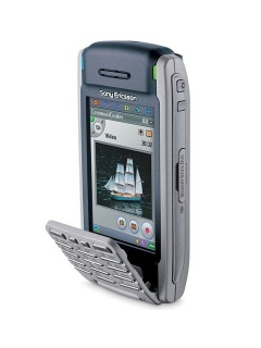 Mobile phone Sony Ericsson P900i. Photo 1