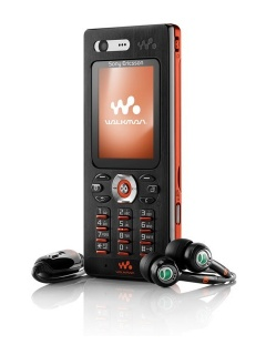 Mobile phone Sony Ericsson W880i. Photo 1